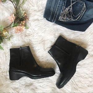 Liz Claiborne Flex Leather Ankle Boot